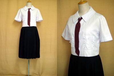 帝塚山高等学校の制服